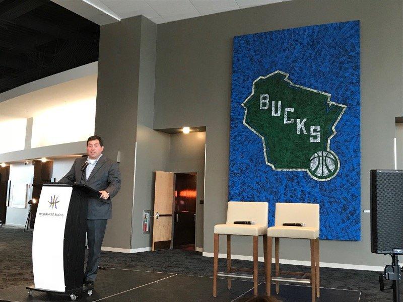 bucks-fiserv-forum-art-collection_fullsize_story1